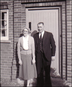George & Hilda Thurlow outside the Police Station in Finedon Road in about 1950