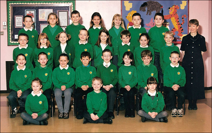 Meadowside Junior School 2000-1 - Mrs Vessey's Class : 4G