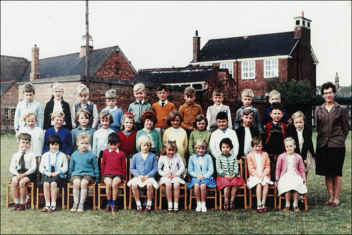 Burton Latimer Council Infants School - Mrs Williams' Class 1964-5