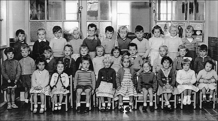 Burton Latimer Council Infants School - unidentified class c1961