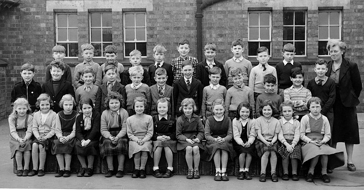 Burton Latimer Council School - Miss Leach's Class 1956-7