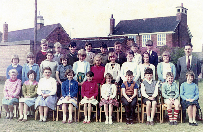 Burton Latimer Council School - Mr Pentelow's Class 1964-5