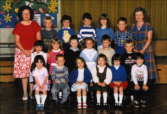 Meadowside Infants School - Mrs Dunham & Mrs Cleaver's Class c.1986