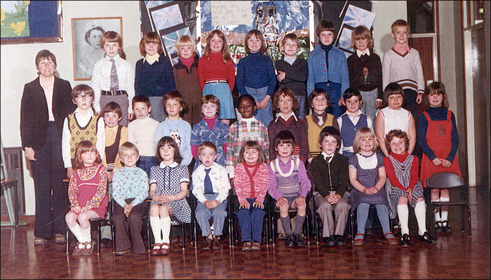 Meadowside Infants School - Unidentified Class 1976-7