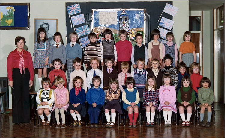 Meadowside Infants School - Mrs Millman's Class 1977