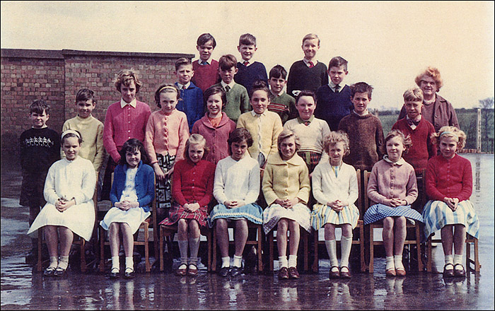 Burton Latimer Council School - Mrs Robinson's Class 1962-3