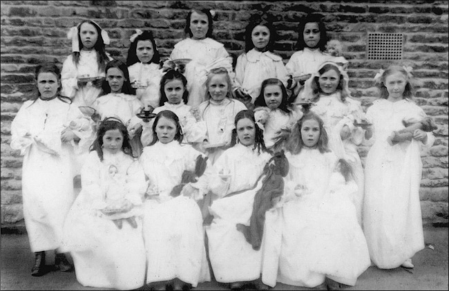 Burton Latimer St Marys School  c.1910