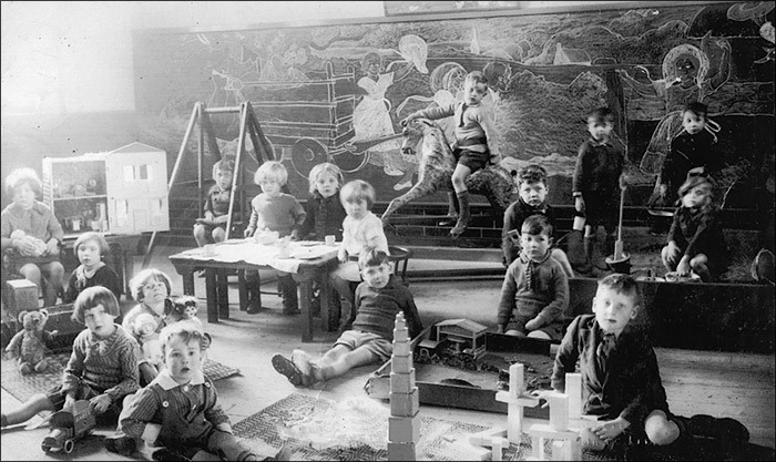 Burton Latimer Council Infants School - Classroom Scene 1933