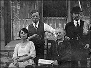 Photograph of Oliver and Lucy Tailby with parents