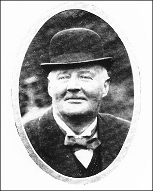 Photograph of William Norton,landlord at The Red Cow 1897-1911.