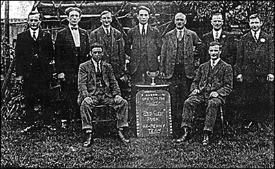 photograph of the Red Cow Push Ha'penny Team in the late 1920s.