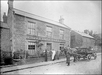Photograph showing the Thatcher's Arms 1905.
