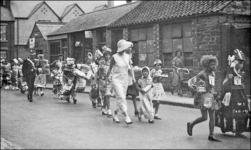 Co-op Parade and Show c.1938.  The Parade entering Duke Street